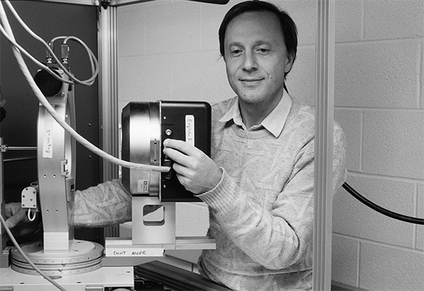 Wlodawer at work in December 1990, three years after joining the NCI-Frederick Cancer Research and Development Center (now NCI at Frederick). (Photo from SPGM archive)