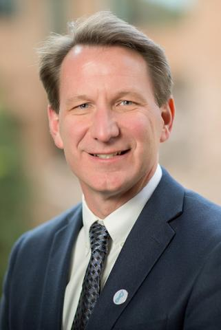 Photo of NCI Director Sharpless